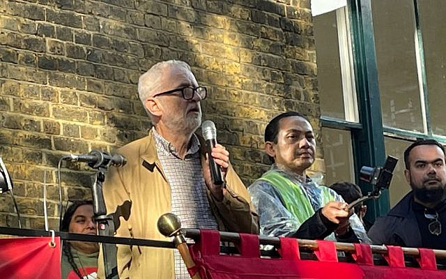 Jeremy Corbyn at the commemorative event for Cable Street's 85th anniversary   (Via @corbyn_project on Twitter)