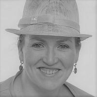 Naomi Pelled