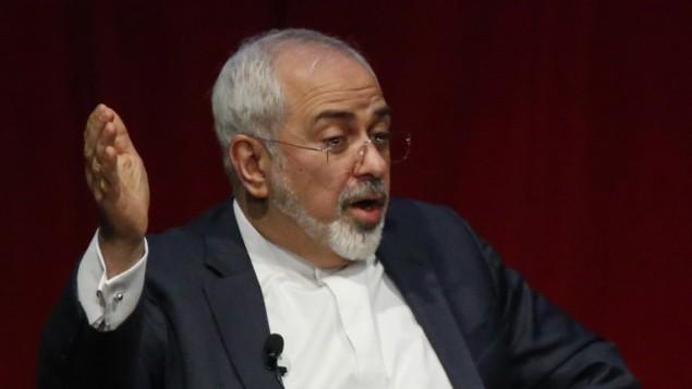 وزير الخارجية الإيراني محمد جواد ظريف يتحدث في جامعة نيويورك، 29 ابريل 2015 (KENA BETANCUR / AFP)