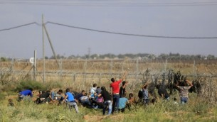 مهاجرین از غزه - محمد عابد - آسوشیتدپرس
