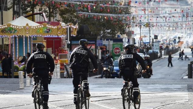 پلیس در مارسی- عکس از خبرگزاری فرانسه