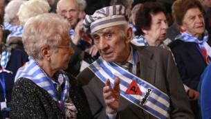 چند تن از بازماندگان آشویتس، اردوگاه مرگ نازی ها در لهستان