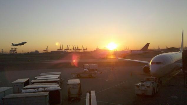 عکس تزئینی از فرودگاه