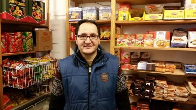 کامبیز علیزاده، زادۀ تهران، صاحب مغازه گترنکمارکت بتهوون نزدیکی کنست رووستراس  - آهارن
