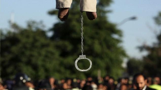 صحنه ای از یک اعدام خیابانی در ایران - قزوین - عکس از مهدی فرجی