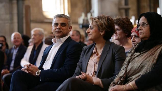 شهردار جدید لندن، صادق خان و همسرش سعدیه در مراسم رسمی آوازخوانی در کلیسای سوتوارک لندن
