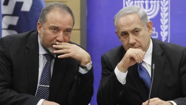 اویگدور لیبرمن (چپ) و بنیامین نتانیاهو (راست)