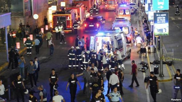حملات انتحاری در فرودگاه استانبول دهها کشته و زخمی بر جای گذاشت