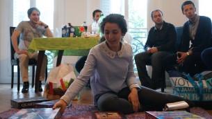 ترس از تروریسم، جوانان یهودی پاریس را به بازی های خانگی کشانده است