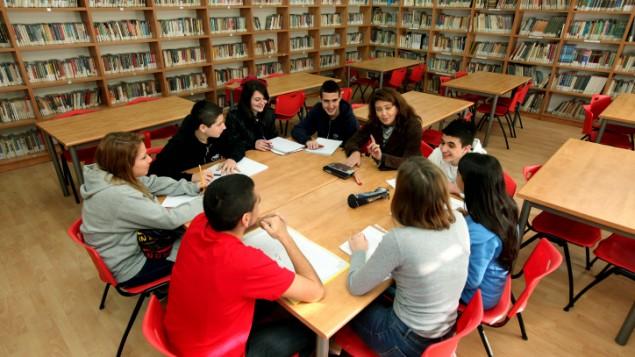 دانش-آموزان یک دبیرستان اسرائیلی