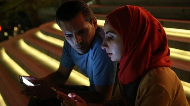 توضیح عکس: فعال اپوزیسیون سوری، بحر عبدالرزاق و همسرش نورا الامیر در استانبول، ۱ اوت ۲۰۱۶