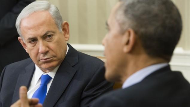 ریاست جمهوری ایالات متحده باراک اوباما (راست) و نخست وزیر اسرائيل بنیامین نتانیاهو حین دیداری در اتاق بیضی کاخ سفید