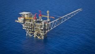 نمای هوایی تجهیزات فرآوری گاز «تمر» اسرائیل در ساحل جنوبی این کشور در اشکلون