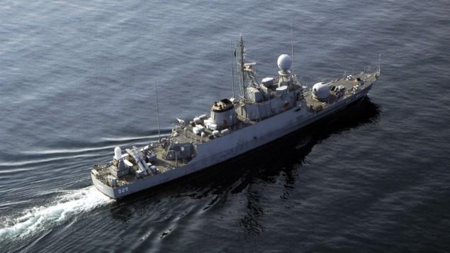 قایق موشکی عقبا ردهی الصادق (۵۲۵) نیروی دریایی پادشاهی سعودی در طول تمرین نظامی
