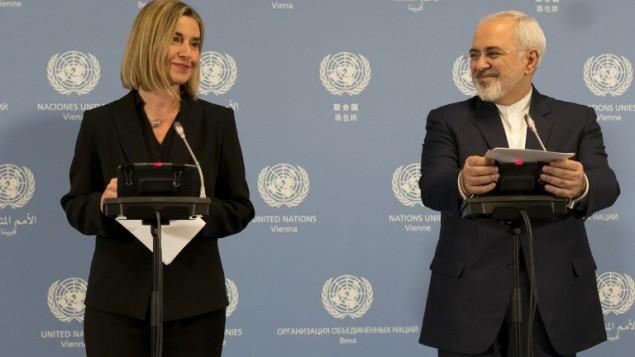 محمدجواد ظریف وزیر خارجهی ایران (راست) و فدریکا موگرینی رئیس امور سیاسی اتحادیهی اروپا