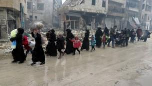  ساکنان سوریه، در حال فرار از خشونتهای موجود