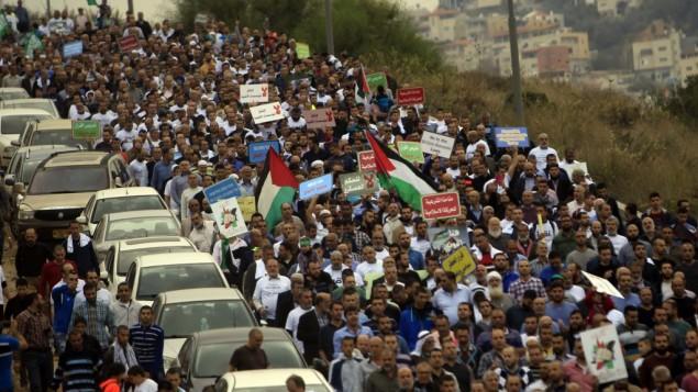 هزاران حامی جنبش اسلامی در اسرائیل و رهبر شاخهی شمالی این جنبش، شیخ رائد صلاح، علیه تصمیم اسرائیل برای غیرقانونی اعلام کردن شاخهی شمالی جنبش اسلامی در ۲۸ نوامبر ۲۰۱۵ در شمال اسرائیل دست به تظاهرات زدند