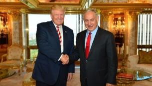 بنیامین نتانیاهو، نخستوزیر اسرائیل، و دونالد ترامپ نامزد ریاستجمهوری جمهوریخواهان در جلسهای مورخ ۲۵ سپتامبر ۲۰۱۶ در برج ترامپ در نیویورک
