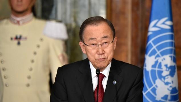 بان کیمون، دبیرکل سازمان ملل، ۶ اکتبر ۲۰۱۶ در حال سخنرانی در کنفرانس مطبوعاتی در رم