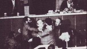 درگیری در مجلس اول و لبخند رفسنجانی پس از کتک خوردن ملیون از افراطیون