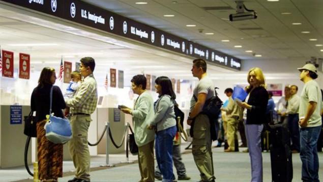 باجه ی ورودی مسافران به خاک آمریکا