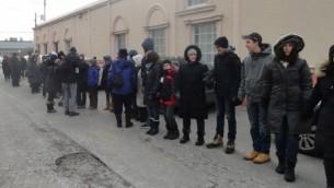یهودیان تورنتو دورتادور مرکز امدادلاسلامی تورنتو حلقهی صلح کشیدند