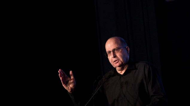 توضیح تصویر:  موشه یعلون وزیر پیشین دفاع هنگام سخنرانی در کنفرانس در اورشلیم – ۲۳ نوامبر ۲۰۱۶