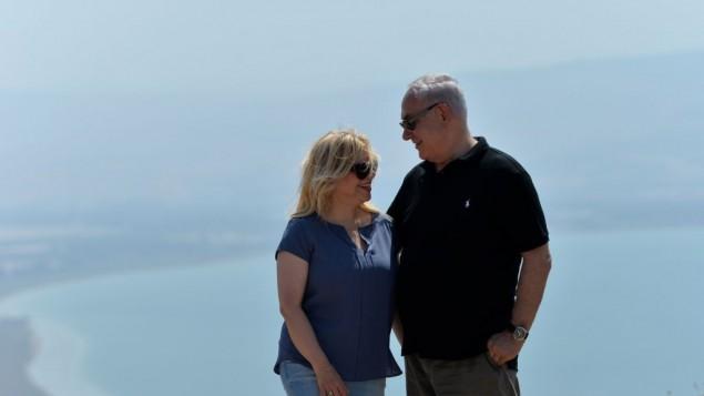 بنیامین نتانیاهو نخست وزیر و همسرش سارا در سفر به شمال اسرائیل، ۱۵ اوت ۲۰۱۷