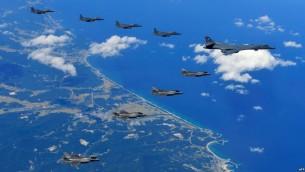 پرواز جنگنده های آمریکایی