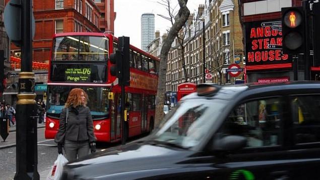 یکی از خیابانهای شلوغ لندن