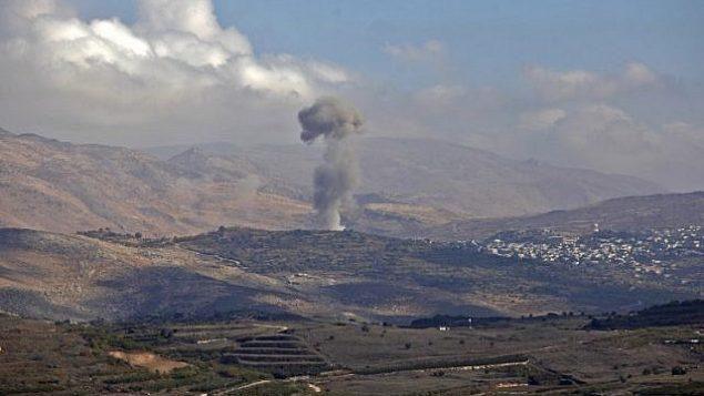 توضیح تصویر: از روستای حدر در دروز، جنوب سوریه دود به هوا برخاسته است – ۳ نوامبر ۲۰۱۷