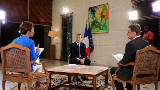 رئیس جمهور فرانسه در جریان مصاحبه
