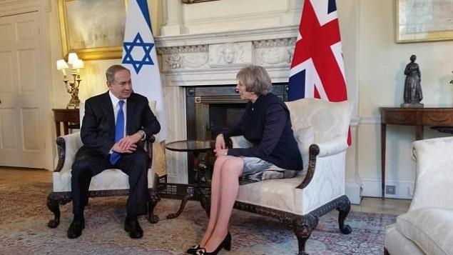 توضیح تصویر: بنیامین نتانیاهو نخست وزیر در دیدار با همتای بریتانیایی وی ترزا می، لندن – ۶ فوریهی ۲۰۱۷