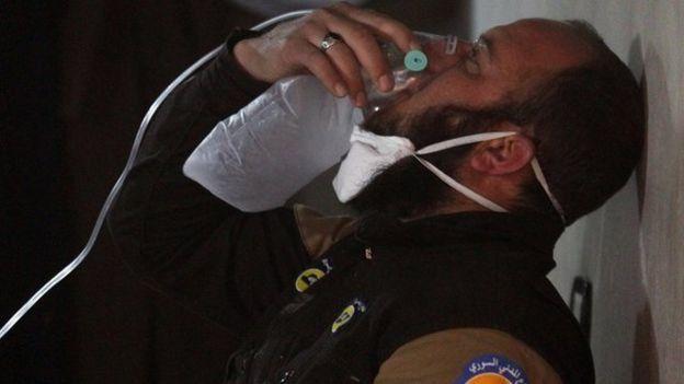 صحنه ای بعد از حملات شیمیایی در سوریه