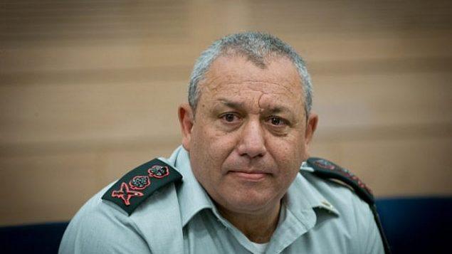 گادی آیزنکوت رئیس نیروی دفاعی حین حضور در جلسهی کمیتهی امور خارجی و دفاعی در کنست در اورشلیم – ۲۶ ژوئن ۲۰۱۶