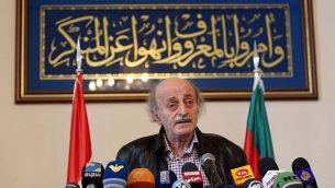 رهبر سیاسی اقلیت دروزی لبنان در کنفرانس مطبوعاتی پس از دیدار با رهبران مذهبی دروز در بیروت