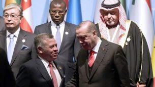 توضیح تصویر: رجب طیب اردوغان رئیس جمهور ترکیه حین گفتگو با شاه عبداالله از اردن