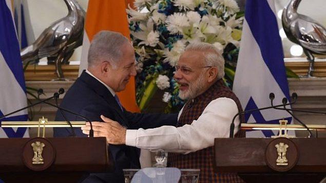 توضیح تصویر: نراندرا مودی نخست وزیر هند و بنیامین نتانیاهو نخست وزیر در کنفرانس مطبوعاتی در ساختمان حیدرآباد، دهلی نو – ۱۵ ژانویه ۲۰۱۸