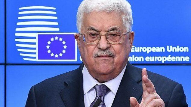 محمود عباس رئیس تشکیلات خودگردان فلسطینی حین گفتگو در کنفرانس مطبوعاتی هنگام شورای امور خارجی اتحادیهی اروپا در شورای اروپا، بروکسل، ۲۲ ژانویه ۲۰۱۸  (EMMANUEL DUNAND / AFP)