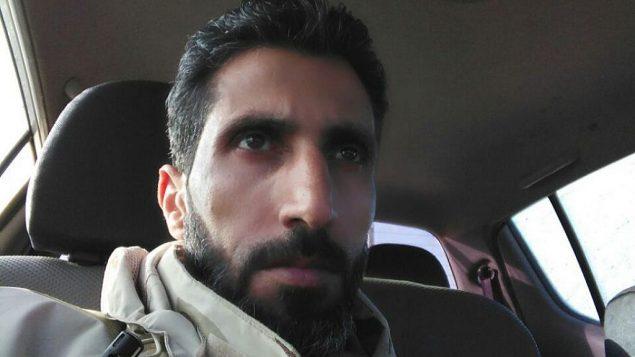 توضیح تصویر: ابومحمد الاختاپوس، از فرماندهان گروه شورشی جبههی ملی آزادی سوریه از بلندیهای جولان سوریه