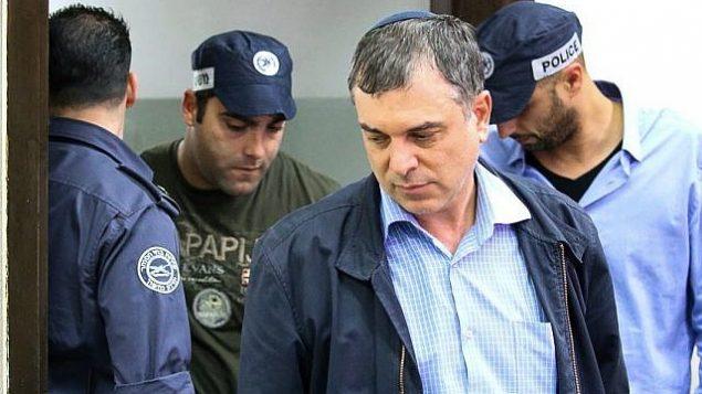 توضیح تصویر: شلومو فیلبر مدیرکل وزارت مخابرات حین ورود به جلسه در دادگاه بدوی ریشون لزیون، ۱۸ فوریه ۲۰۱۸. (Flash90)
