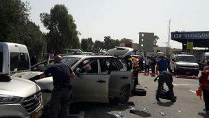توضیح تصویر: صحنهای از یک خودروکوبی  در شهر آکره در شمال اسرائیل، ۴ مارس ۲۰۱۸.  (United Hatzalah)