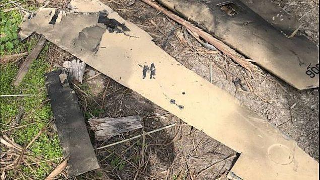 توضیح تصویر: بقایای پهباد ایران که از سوی نیروی هوایی اسرائیل پس از نفوذ به قلمرو هوایی اسرائیل در ۱۰ فوریهی ۲۰۱۸ سرنگون شد. (Israel Defense Forces)