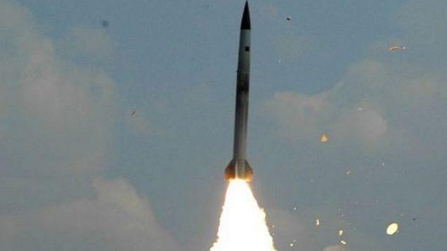 توضیح تصویر: تزئینی، دفاع هوایی موشک اس ۳۰۰ روسیه. (photo credit: AP/File)