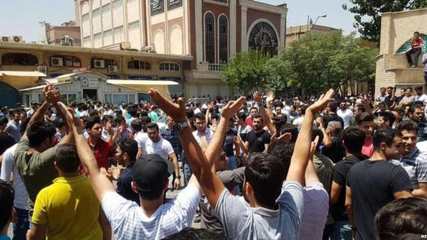 تجمع در بازار تهران