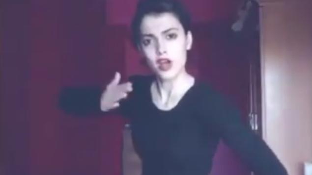 توضیح تصویر: مائده هژبری ایرانی در یک ویدئو که در شبکههای اجتماعی منتشر شد، میرقصد. وی از سوی مقامات ایرانی به دلیل این ویدئوها بازداشت شد. (Screen capture: Twitter)