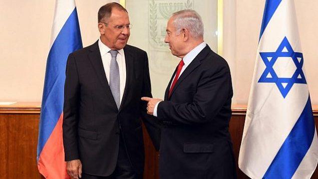 توضیح تصویر: سرگئی لاوروف وزیر خارجه روسیه، چپ، و بنیامین نتانیاهو نخست وزیر در بنای نخست وزیری در اورشلیم، 23 ژوئن 2018. (Haim Zach/GPO)