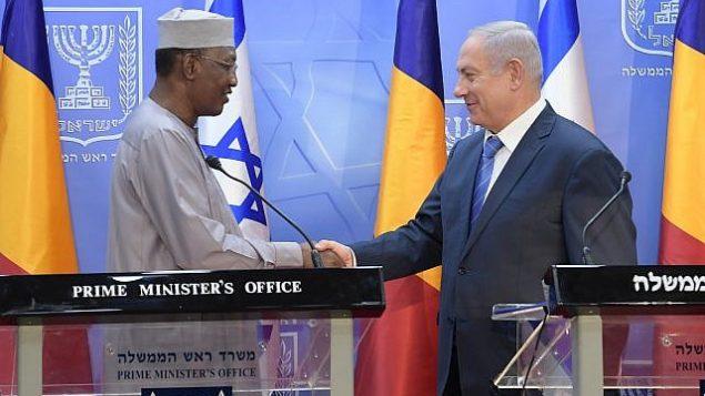 بنیامین نتانیاهو نخست وزیر و ادریس دئبی رئیس جمهور چاد در دفتر نخست وزیر در اورشلیم ملاقات می کنند، ۲۵ نوامبر ۲۰۱۸. (GPO)