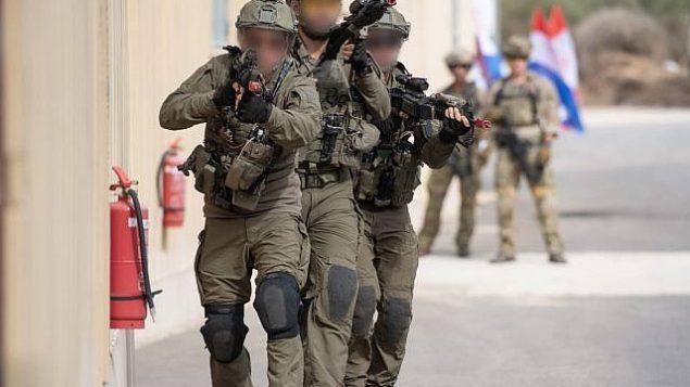 در ماه نوامبر نیروهای نخبه تجسس و نجات از شش کشور در تمرینات «اسکای انجلز» در اسرائیل آموزش می بینند.  (Israel Defense Forces)