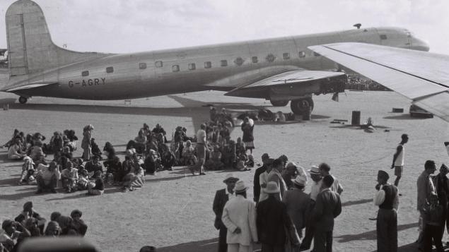 تصویر: یهودیان عدن، یمن، در ۱ نوامبر ۱۹۴۹ منتظر اخراج به اسرائیل. (GPO/Public domain)